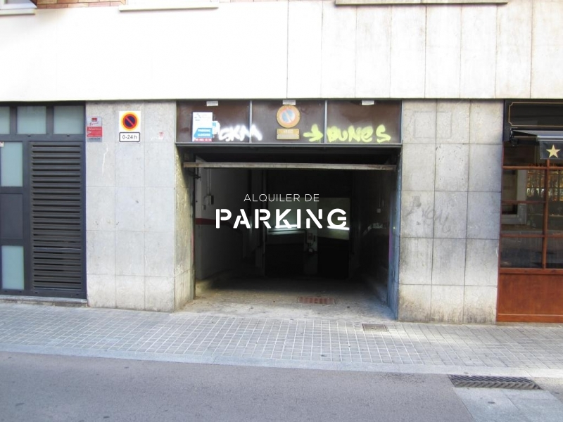 PARKING: VILA DE GRACIA, BARCELONA